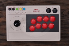 8BitDo Arcade Stick 2,4G & Bluetooth (Switch/PC)